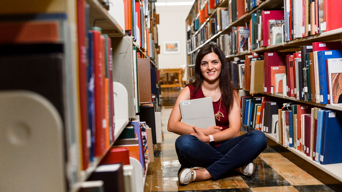 International student in UA library